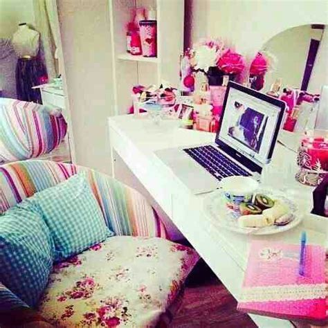 girly bedrooms cute girly desk for bedroom tumblr dream rooms homes decorrrrr p