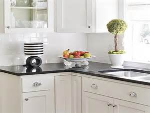 White Kitchen Backsplashes by White Kitchen Backsplash Ideas Homesfeed