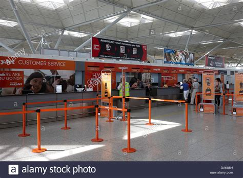easyjet check inn easyjet check in desks stansted airport essex