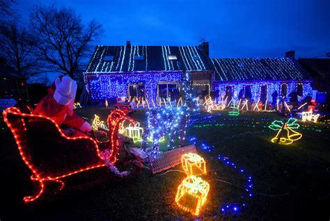 illuminazione di natale illuminazione esterna natalizia meglio illuminazione