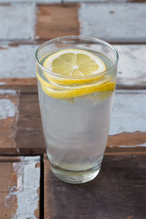 Lemons And Water Detox by Detox 8 Reason To Drink Warm Lemon Water
