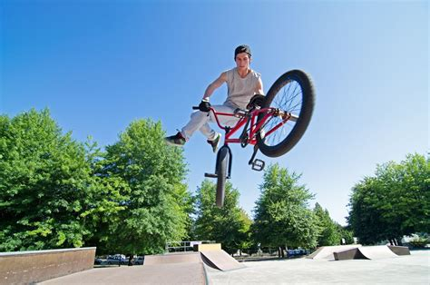 videos28771bmx bike tricks jumps how to do a bunny hop bmx tricks 6 things that make bmx bikes the perfect trick bikes