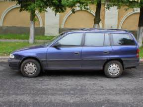 Opel Astra 95 1995 Opel Astra Caravan Pictures 1700cc Diesel Ff