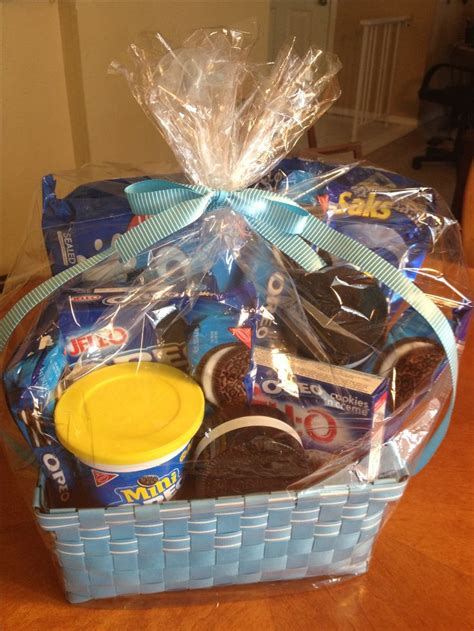 themed basket ideas 129 best images about auction project ideas on