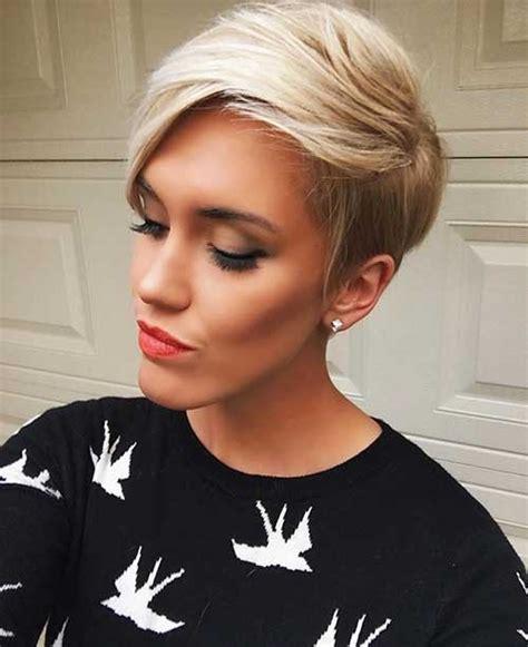 coupes courtes visage ovale coiffure simple  facile