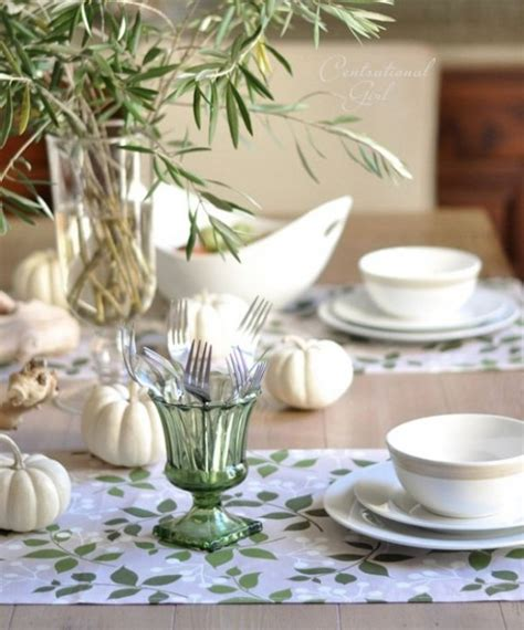 superb Thanksgiving Table Decorating Ideas #2: natural-thanksgiving-table-settings-13-554x667.jpg