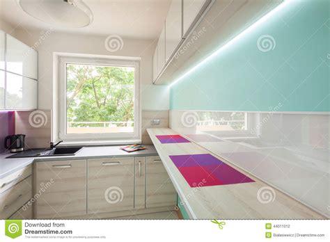 ladari al neon per cucina cucina moderna con illuminazione al neon fotografia stock