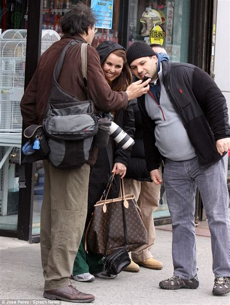 noomi rapace and tom hardy cuddle up to cute puppy while noomi rapace and tom hardy cuddle up to cute puppy while