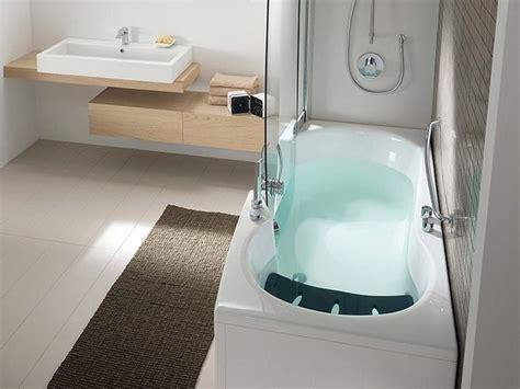 vasca da bagno angolare con doccia le 25 migliori idee su bagno con doccia su