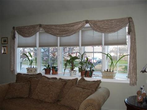 bow window decorating ideas bay window treatment ideas