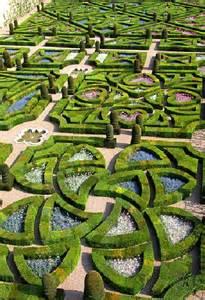 jardins 224 la fran 231 aise 224 199 a se passe au jardin