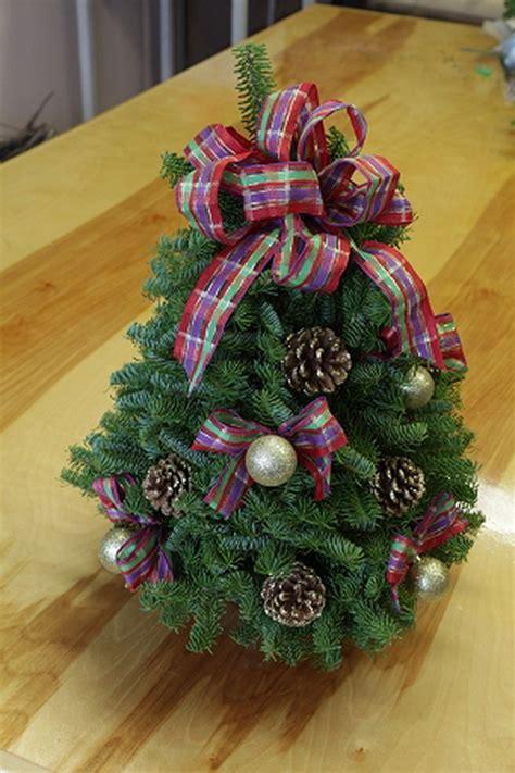 miniature decorated trees miniature tabletop tree decorating ideas
