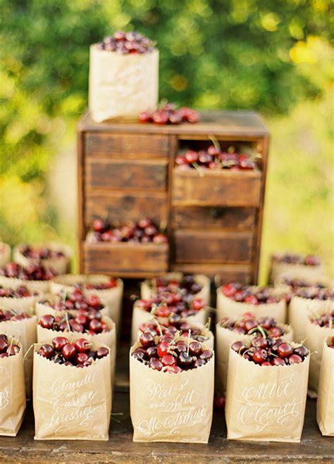 8 refreshing summer wedding favor ideas wilkie