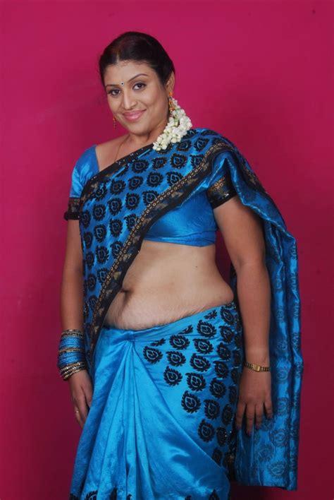 hot indian aunties photos saree pics mallu aunties picture hot aunties serial aunty uma deep navel saree show