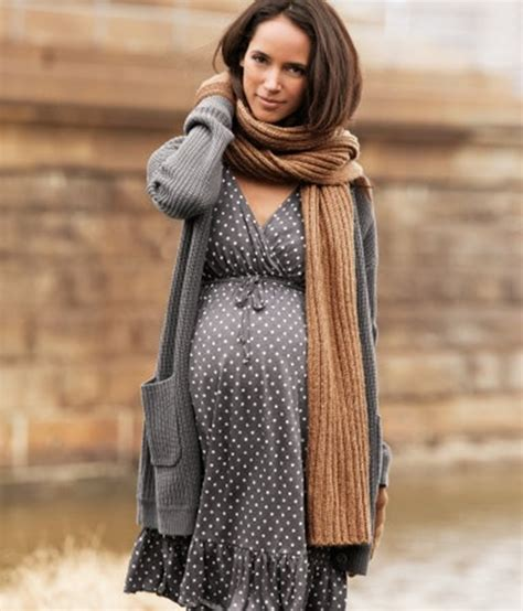 Pregnancy Look by 100 Comfortable Maternity For