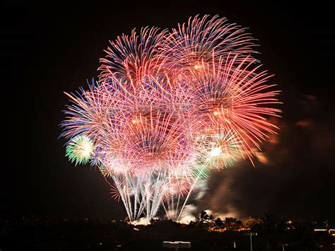new year parade oahu 2015 the best new year s fireworks events around
