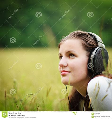 pretty woman mp3 pretty young woman listening to music royalty free stock