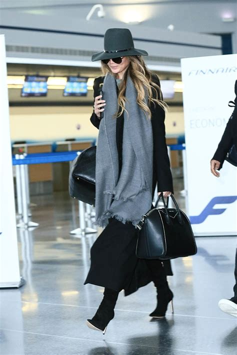 airport outfits   chic   travel