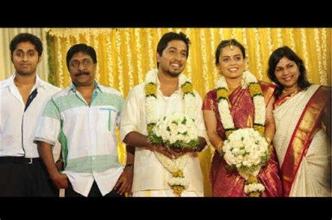 actor vineeth movies list vineeth sreenivasan photos movies list family photos