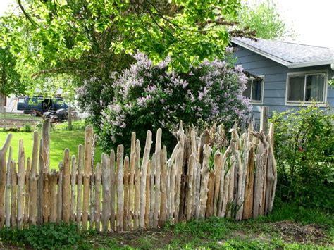 sichtschutz garten treibholz best 25 rustic fence ideas on lavender hedge