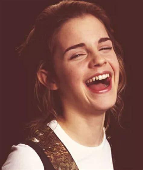 emma watson laughing happy laughing emma watson emma watson pinterest