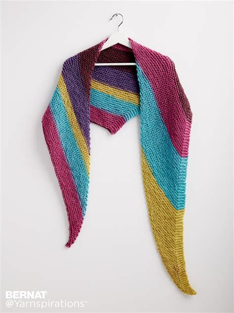 how to knit a triangle shawl for beginners bernat knit triangle shawl knit pattern yarnspirations