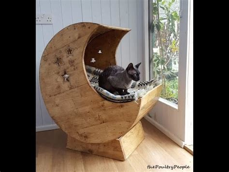 pallet wood furniture projects diy moon cradle  cats