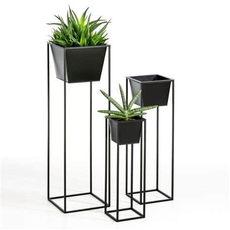 porte pot vulfran vendu par  plant decor plant pot
