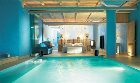swimming pool room from pillow to pool