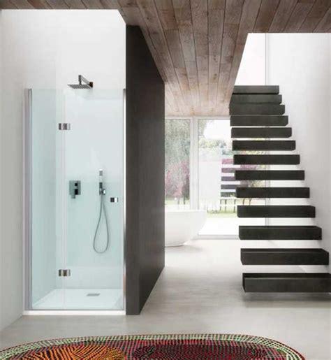 montaggio cabina doccia foto posizionare il box doccia