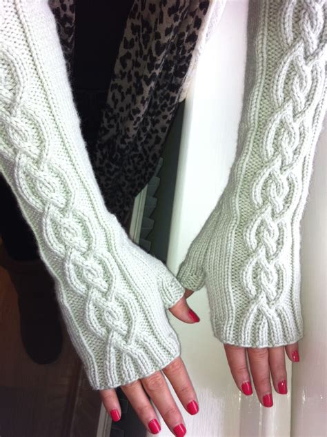 how to knit gloves with circular needles winter free knitted mitts pattern