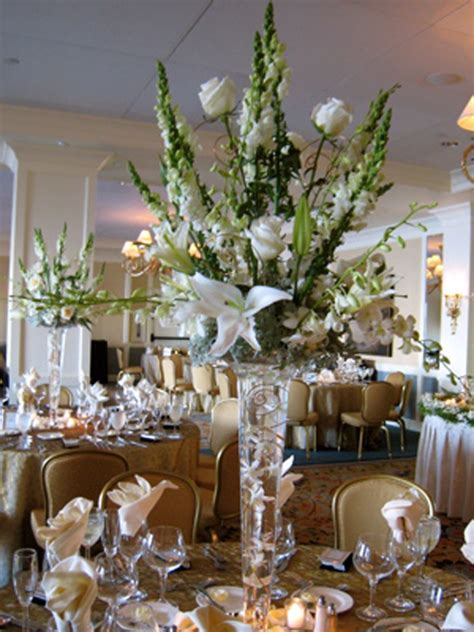Wedding Reception Flower Centerpiece by Wedding Centerpieces With Artificial Green