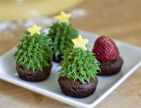 erica s sweet tooth 187 strawberry christmas tree brownie bites