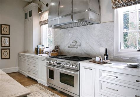 best warm white for kitchen cabinets grey kitchen cabinets with white countertops gray