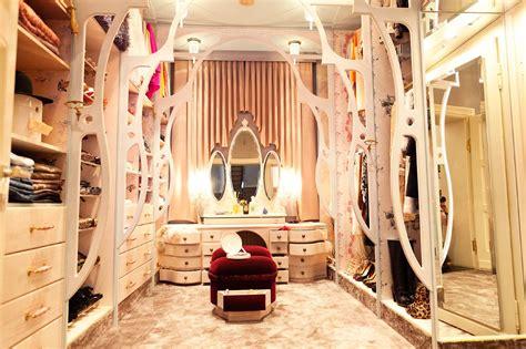 closet raid vaunt luxury marketplace the carrie source