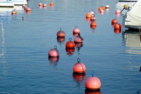 Buoy L in a sea of buoys