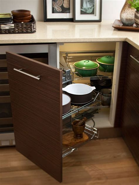 Pull Out Drawers For Pots And Pans by Here S How Smart Homeowners Maximize Their Tiny Spaces