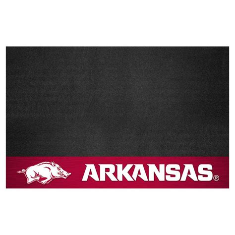 fanmats of arkansas 26 in x 42 in grill mat