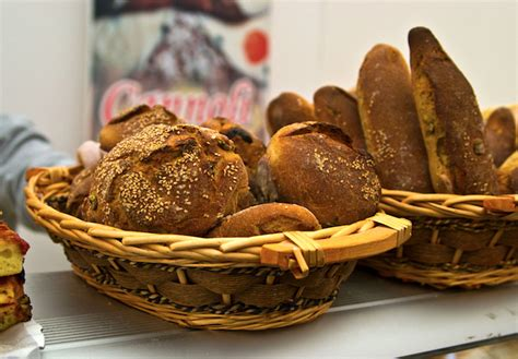 pane di casa siciliano forme e tipi di pane siciliano guarda le foto
