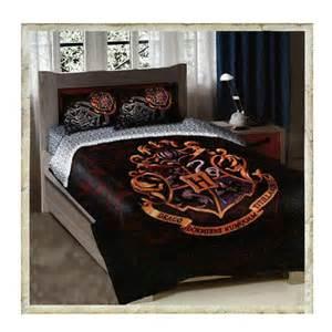 hogwarts crest twin full size comforter bedding set on
