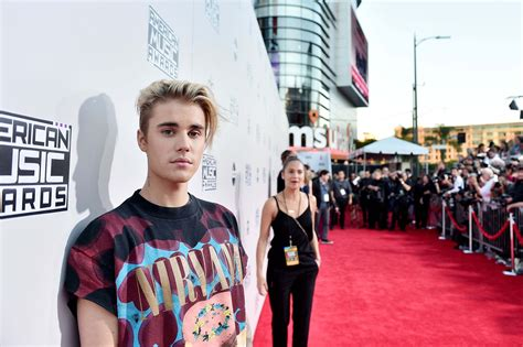 justin bieber konsert sverige 2015 every photo you need of justin bieber at the 2015 amas