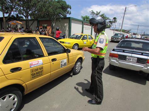 ministerio del interior policia nacional polic 237 a nacional trabajando con las escuelas de portoviejo