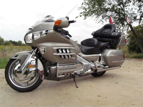 buy 2003 honda goldwing gl1800 only 30k on 2040 motos