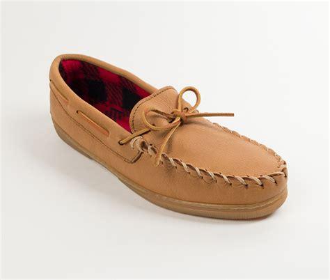 moosehide slippers moosehide fleece moc auggies sheepskin