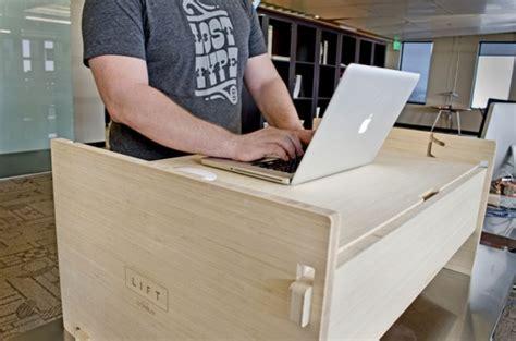 健康のために立って机に向かいたい 高さを調節できる机はどうでしょう lift リフト kickstarter