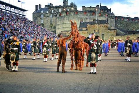 edinburgh tattoo hector the hero war horse performs at the 64th royal edinburgh military
