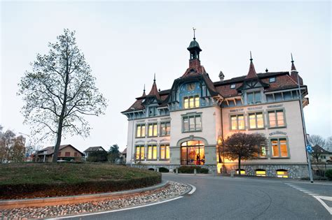 Hec Lausanne School Of Business Mba by Business School Lausanne Topmba