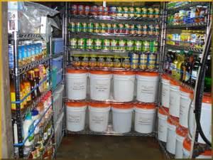paranoia en eeuu gente almacena alimentos y suministros