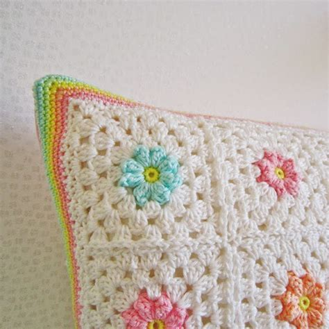 Square Flowy Motif 4 color n crochet and crochet pattern flower square 8