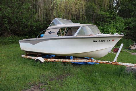 fiberglass boat rub rail fiberglassics 174 1964 crestliner explorer 16 resto rub